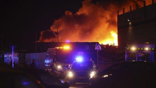 Incendio en planta de reciclaje de residuos de Alcorcón.