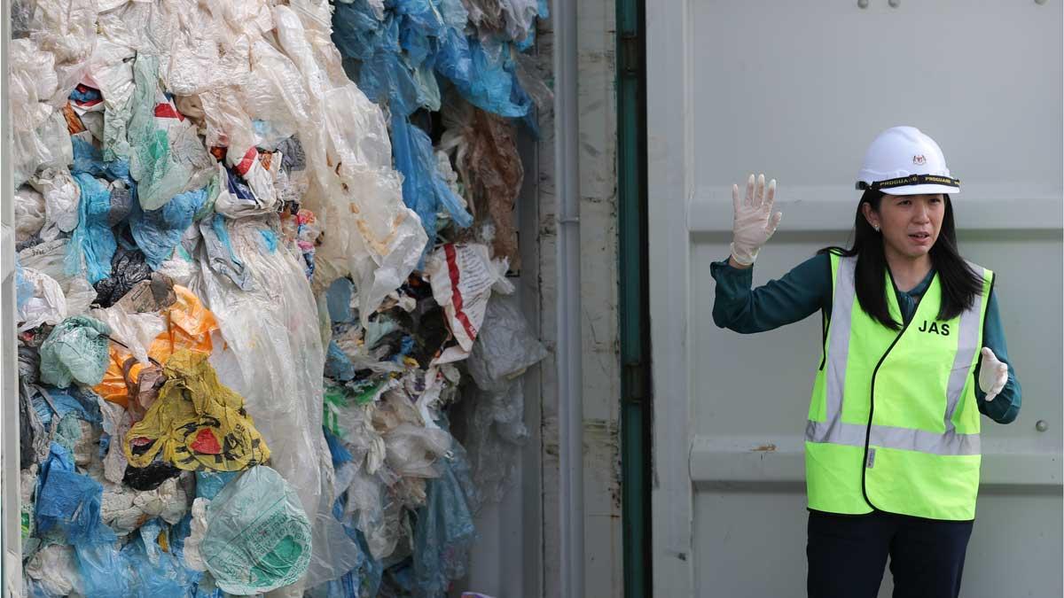 Malasia devuelve plásticos a España