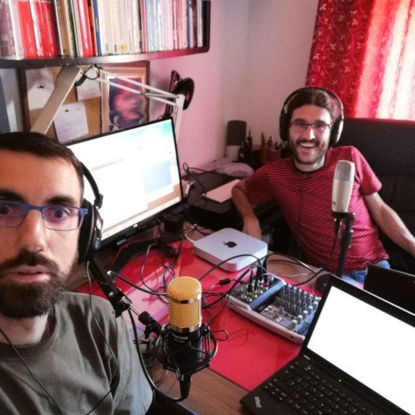 """Juan María Arenas y Enoc Martínez grabando el podcast """"Actualidad y Empleo Ambiental"""""""